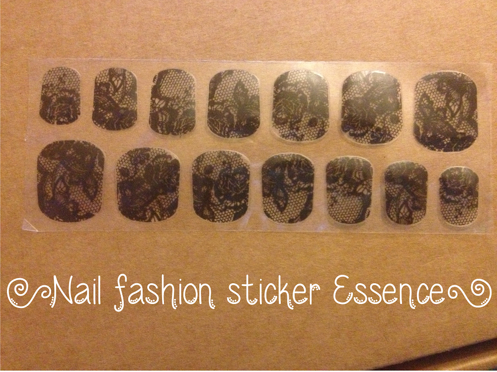 Smalti: #2 Nail fashion sticker Essence